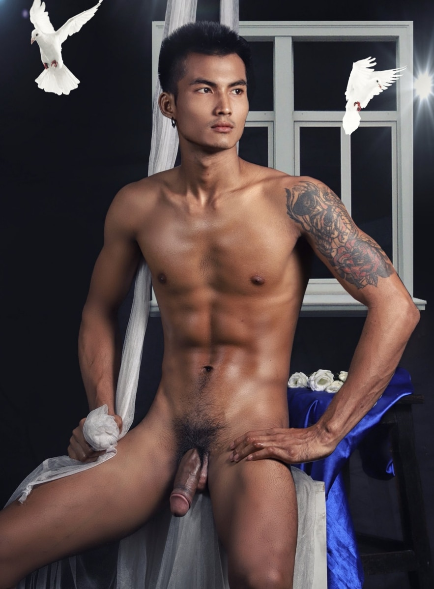 Hot guy showing fat dick