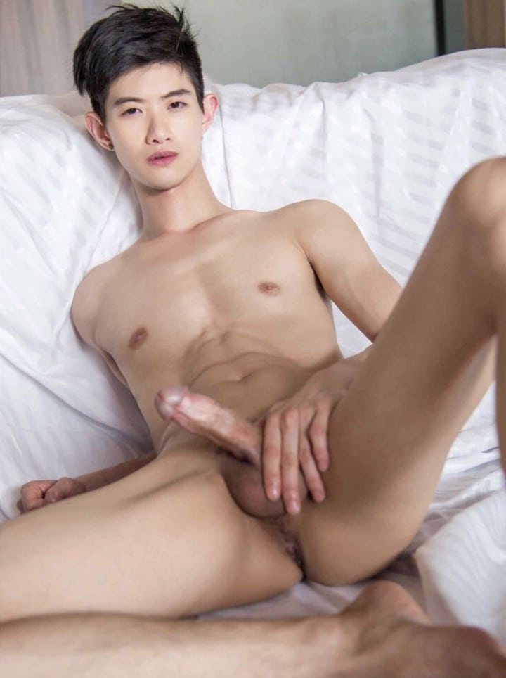 Naked Asian gay twink